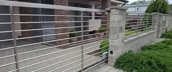 Nerezové ploty, brány a zábradlia