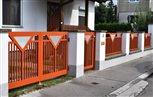 20a - plotové dielce, brána a bránka Lyon s ornamentom trojuholník