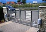 4d - detail kĺbových pohonov, ktoré umožňujú otváranie brány do ulice